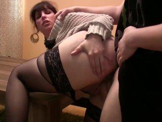 Секс в офисе в попку